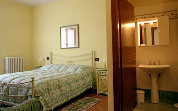 Olea - home cottage with garden in Tuscany
