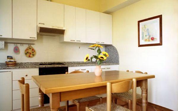 Elce - Appartamento con terrazza - sala con angolo cottura