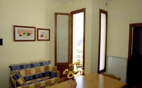 Elce - Appartamento con terrazza